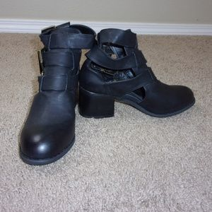 Forever 21 Booties Straps Buckles New 8 Black